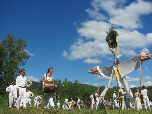 Then off to Glover for world best circus in the sun- Bread & Puppet!!  Totally nostalig for me, as the last time I attended was well- half my life ago and it seemed perfectly the same- some things really shouldn't change!