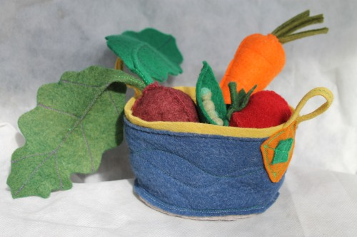My dear friend Rachel made these amazing little felt vegetables